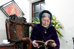Cụ bà Nguyễn Thị Quyền © 2014 Xa Luan