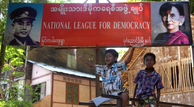 Bruno Chabanas : «A la veille des élections générales, quels enjeux pour la Birmanie ?» [séminaire IAO, 05/11/2015]