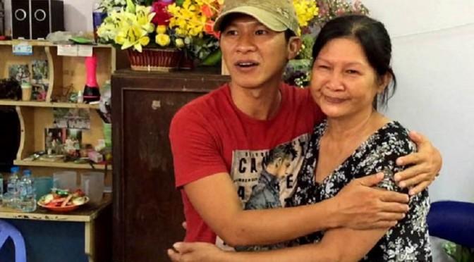 14/12/2015 : Libération anticipée du compositeur Việt Khang