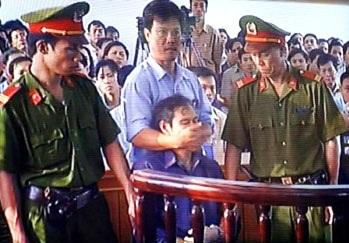 NguyenVanLy_ToaAnHue2007