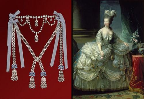 Collier de la reine et portrait de Marie Antoinette par Vigée-Lebrun, Château de Breteuil (Wikicommons).