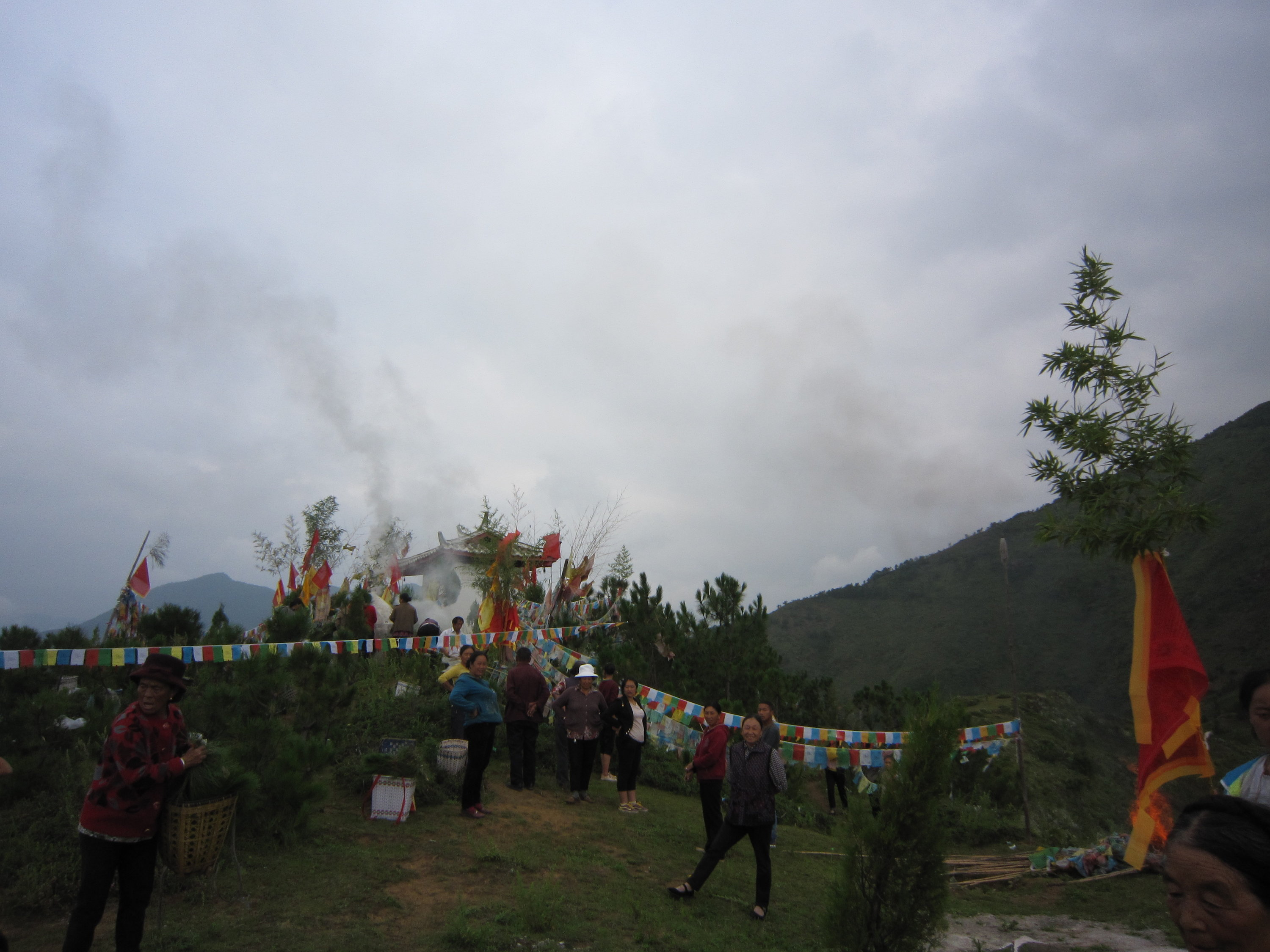 Hill top above the Yongning monastery, on the day of a ritual: walking around the mountain